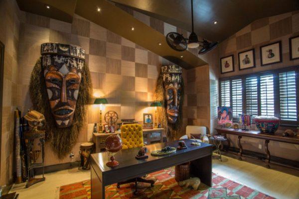 Африканские маски — не лучшее украшение дома, да и выглядят они немного устрашающе, не так ли?