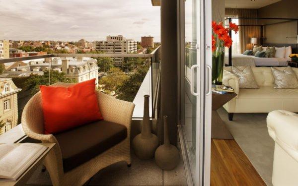 Балкон может дать жизненное дополнительное пространство.