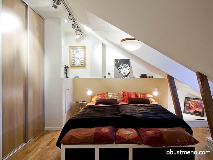 Миниатюрная, но уютная спальня