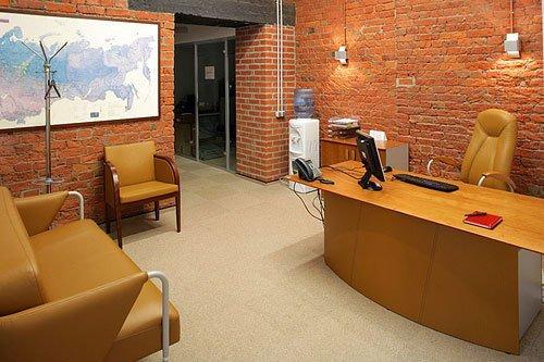 На фото: стильный офис можно сделать и с небольшими затратами