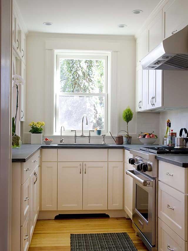 Дизайн маленькой кухни 6 кв.м с холодильником и окном