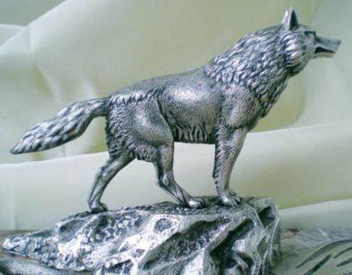 Серый волк - пример декоративных элементов из металла