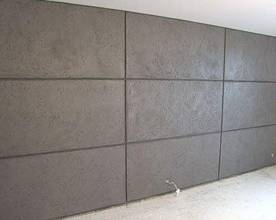 Успешный результат отделки стен плиточным клеем