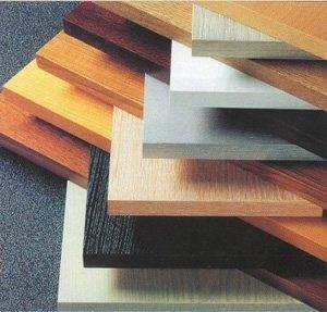 Ассортимент ламинированных древесностружечных плит с отделанными кромками