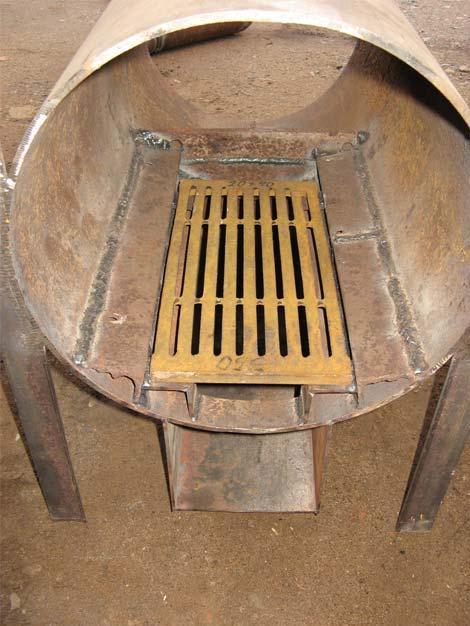 Если труба имеет один прямой сварной шов, ее нужно установить так, чтобы он был направлен вниз, в сторону поддувала.