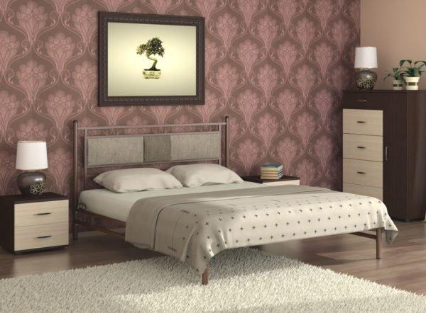 Из профильной трубы может получиться эстетичная кровать и без обшивки древесностружечной плитой