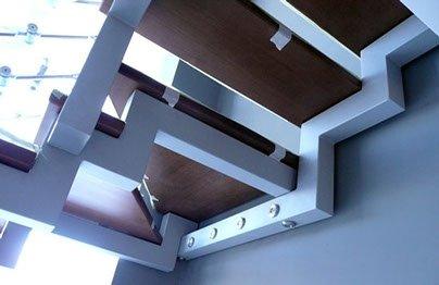 Ломаные косоуры для лестницы.