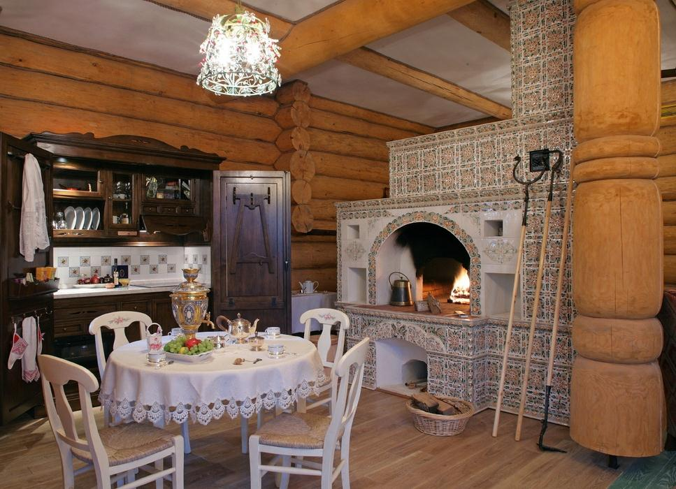 Дизайн дома в деревенском стиле с печкой