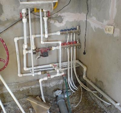 На фото – инженерные системы частного дома, собранные методом сварки пластиковых труб.