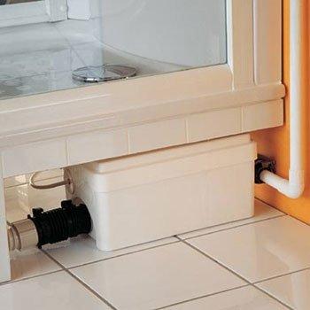 Подключенный к душевой кабине канализационный насос «SFA Sanidouche»