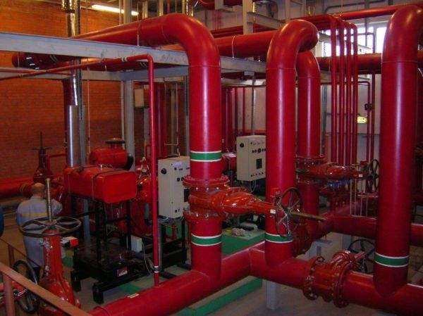 Пожарный водопровод: максимальный диаметр и минимум промежуточной запорной арматуры.