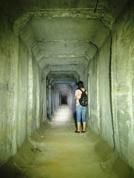 В случае опасности оперативно покинуть такой тоннель зачастую очень сложно.