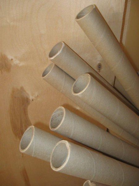 vot-takie-kartonnye-elementy-prigodyatsya-nam-dlya-rukodeliya-450x600 Как сделать вазу из банки своими руками: 6 способов и 50 фото