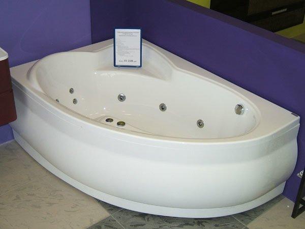 Акриловая ванна PoolSpa.