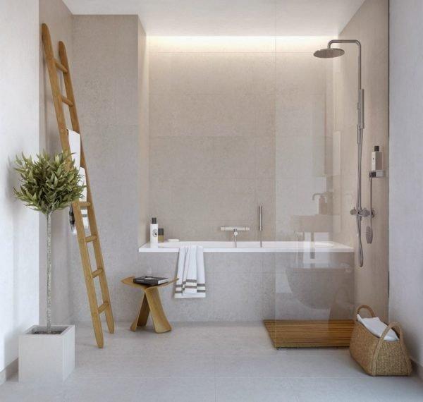 Деревянная лестница станет отличным полотенцедержателем в эко-стиле