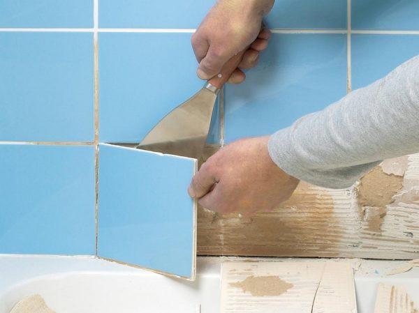 Для полного удаления разрастаний может понадобиться демонтировать плитку