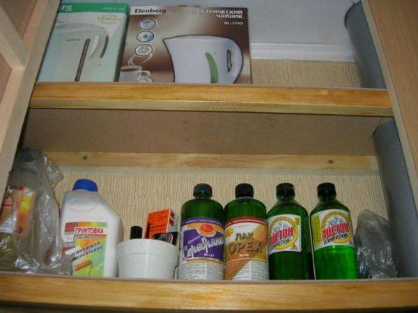 Фото полок шкафа для хранения бытовой химии