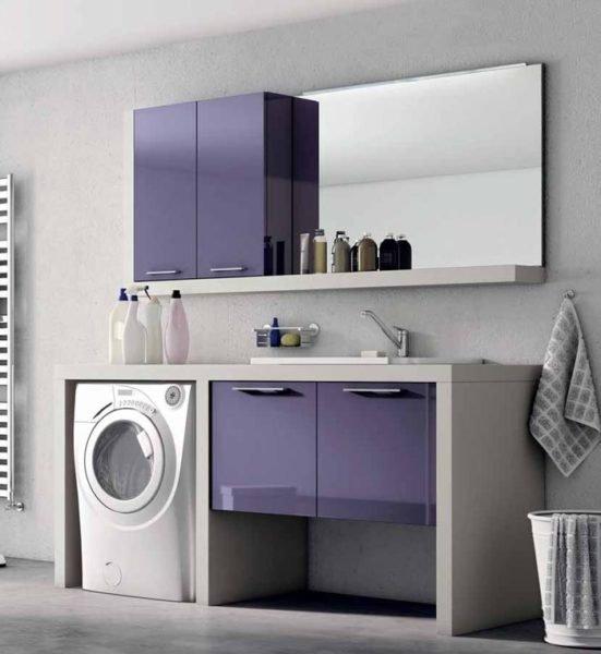 Фото стиральной машинки встроенной в мебельный интерьер санузла