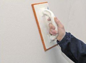 Гипсовая штукатурка может использоваться для подготовки поверхности под плитку.