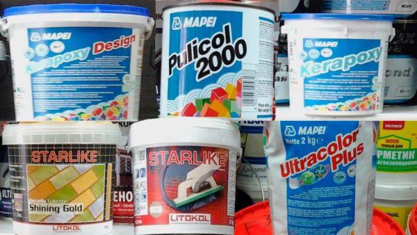 Готовые затирки и материалы в форме сухого порошка в пакетах.