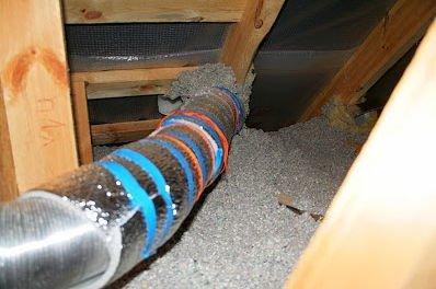 Инженерные коммуникации на чердаке требуют обязательного утепления.