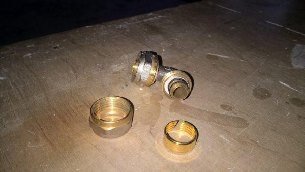 Компрессионный фитинг для металлопластика.