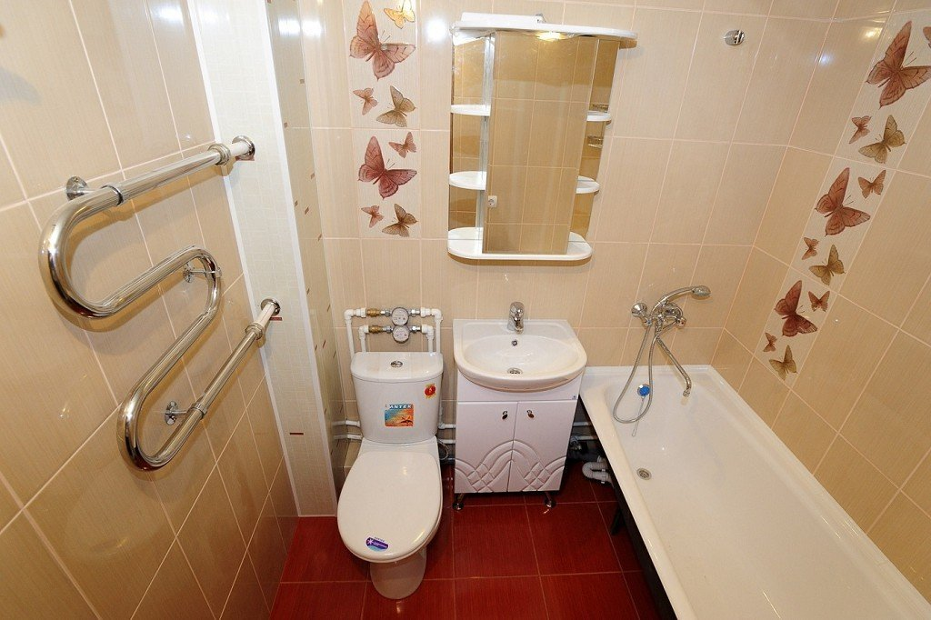 Замена труб в ванной и туалете фото