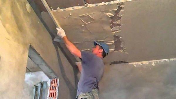 Маячная штукатурка потолка