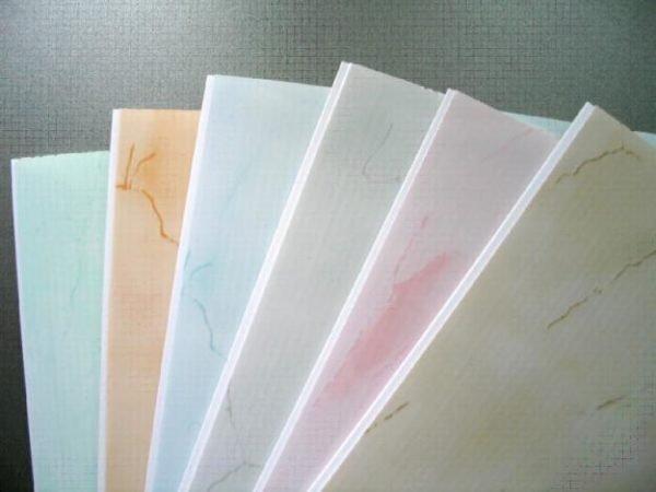 На фото распространенные модификации пвх панелей