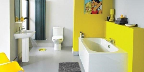 Наливной пол – наиболее практичный и эстетичный вариант для «солнечной» ванной