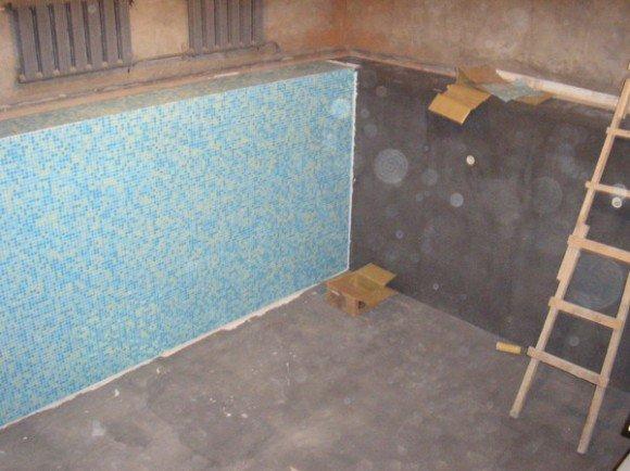 Отделка стенок бассейна мозаикой