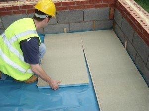 Плитные утеплители несложно использовать в частном строительстве.