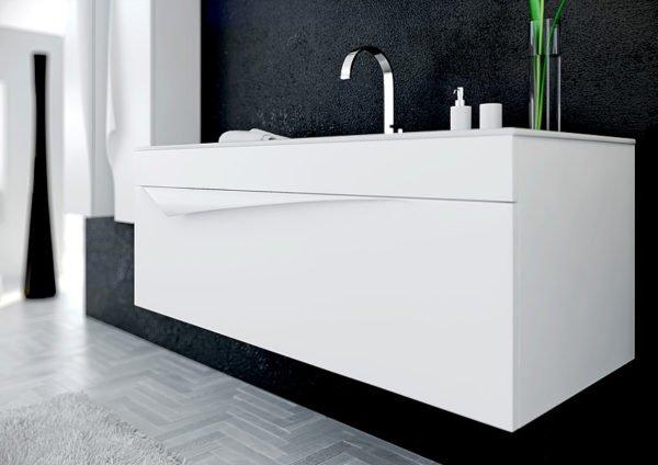 Подвесная тумба зрительно расширяет ванную за счет увеличивающейся свободной площади пола.