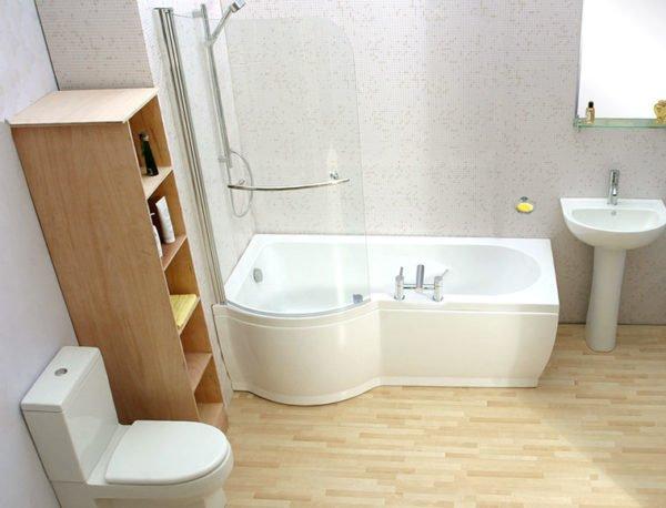 Полимерное напольное покрытие имеет множество плюсов перед классическим кафелем и водостойким ламинатом.