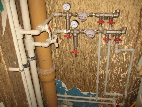 Полипропиленовые трубы – идеальный вариант для обустройств аводопровода.