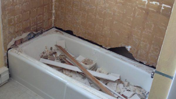 Прежде чем ванная станет красивой и аккуратной придется немало потрудиться