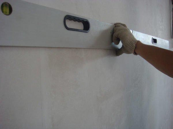 Проверяем стены на наличие перепадов