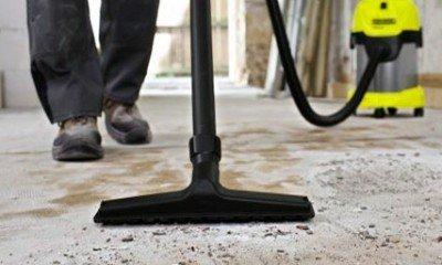 С очисткой бетона лучше всего справится пылесос.