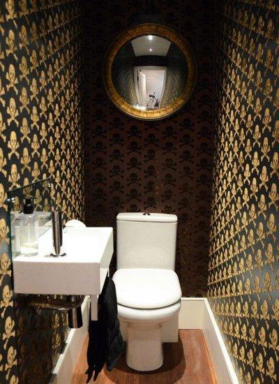 Обои в туалете: 6 интересных способов оформления