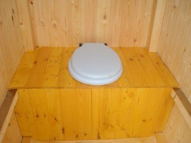 Как сделать деревянный туалет для дачи своими руками
