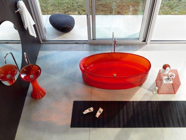 Такая ванна Regia Jolie обойдется в 675 тыс. рублей