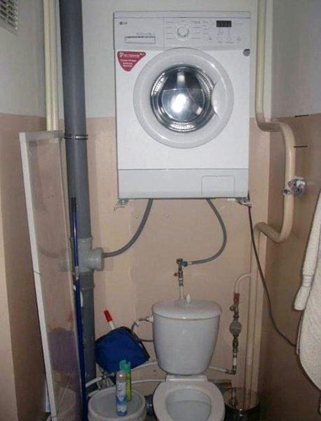 Такое подключение к канализации - не лучшая идея.