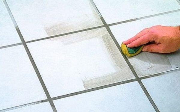 Цементная затирка для плитки – классический вариант, идеально подходящий для новичка.