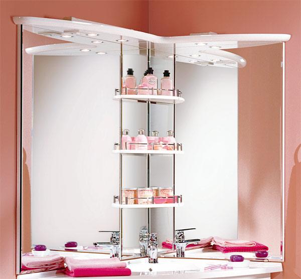 Угловое зеркало для ванной комнаты позволяет человеку смотреться в него с двух сторон