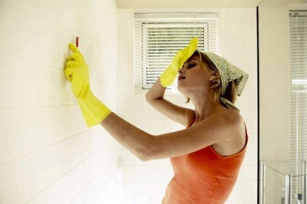 Уничтожение нежеланного гостя в ванной — дело, порой, не из самых простых