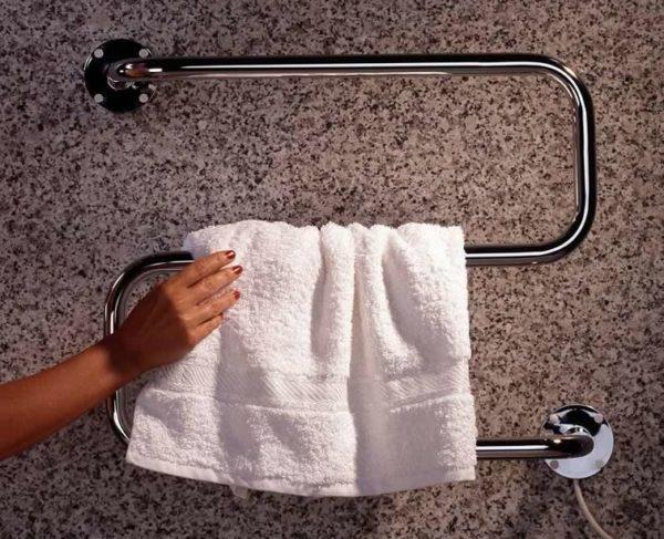 Установка полотенцесушителя уменьшит риск появления опасного соседа