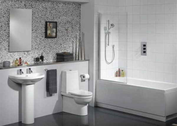 Ванна - совмещенная с душевой кабиной: в интерьере - это красиво