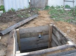 Выгребную яму по окончании работы нужно помыть.