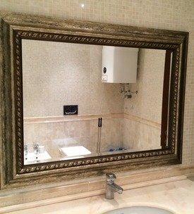 Зеркало в багете – для ванной комнаты этот вариант подходит отлично