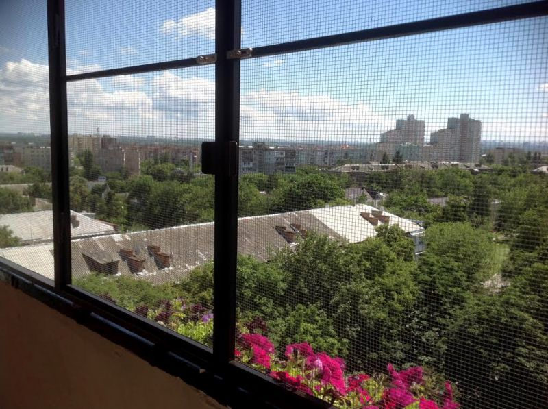 Сетка на балкон от комаров: 5 видов конструкций obustroeno.c.